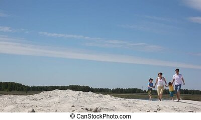 vier, looppas, zand, gezin