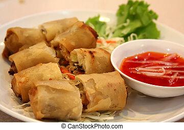 Vietnamese springrolls - Fried vietnamese spring rolls with...