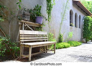 chanceler bois vieux parc teeter chanceler quilibre photo de stock rechercher. Black Bedroom Furniture Sets. Home Design Ideas