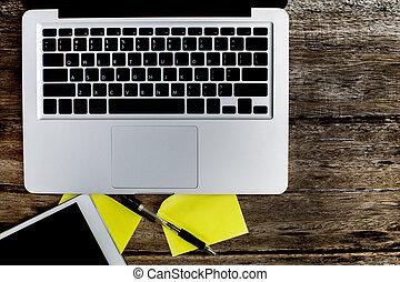 vieux, bois, ordinateur portable, bloc-notes, vide, table.