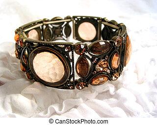 vieux, bracelet, façonné