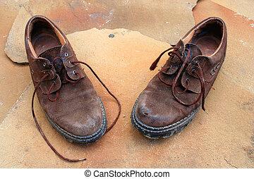 vieux, chaussures