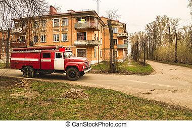 vieux, conduite, brûler, bas, rue, camion, rouges