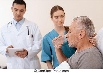 vieux, lit camp, docteur, monde médical, là, suivant, mensonges, pupille, nurse., lui, homme