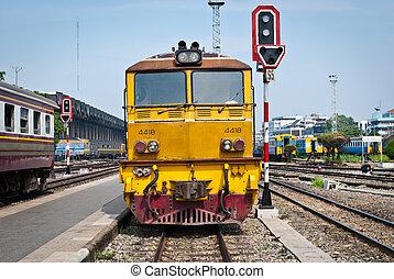 vieux, loin,  diesel,  train, en mouvement,  station