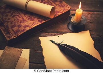 vieux, lumière bougie, papier, vendange, table, plume, livre