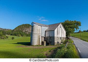 vieux, maison ferme, et, silo grain, dans, rogaland, norvège