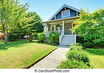 vieux, maison, gris, petit, américain, extérieur, staircase., devant, blanc