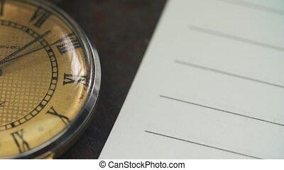 vieux, paper., montre, mensonges, cahier, vide, table