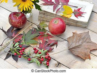 vieux, pomme, bois, feuille, automnal, livre, table, rouges