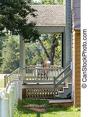 vieux, porche, maison bois, fauteuil bascule