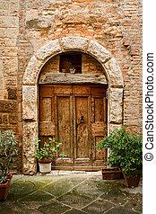 vieux, porte, dans, de, bâtiment brique
