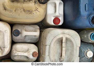 vieux, récipients, plastique