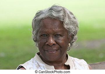 vieux, sourire, dame, américain, africaine