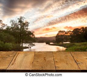 vieux, table bois, ou, walkway, par, lac