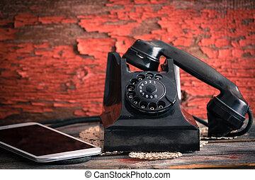 vieux, tablette, a côté, téléphone rotatif, informatique