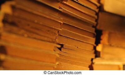 vieux, tas, lumière soleil, livres