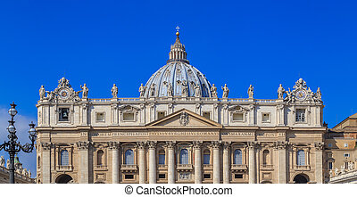 View from St. Peter's Square on the facade of the cathedral, sunny day