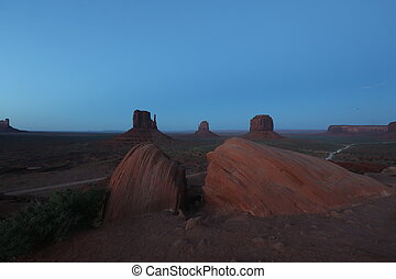 View Monument Valley in evening - Hunts mesa in Monument...