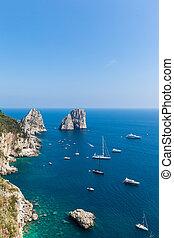 View of Faraglioni cliffs and the Tyrrhenian sea on Capri ...