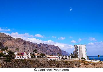 View of Los Gigantes City
