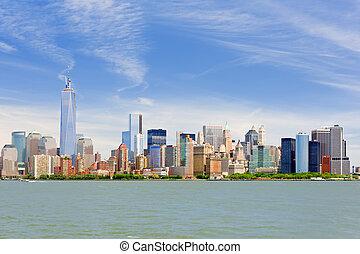 Manhattan in a cloudy june day