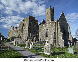 Quin abbey - View of ruins of Quin abbey in the village of...