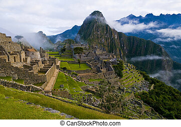 Machu Pichu - View of the archeological site of Machu Pichu