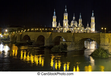 View of the Basilica Cathedral of Our Lady of the Pillar, Catedral Basilica de Nuestra Se?ora del Pilar, Zaragoza Spain