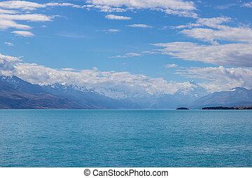 view of the lake Pukaki, New Zealand