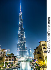 View on Burj Khalifa, Dubai, UAE, at night - DUBAI, UAE - ...