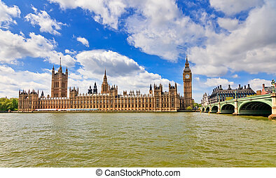 View on Houses of Parliament, London