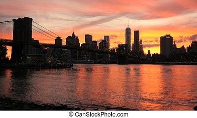 View on Manhattan, sunset - Sunset on the Brooklyn Bridge...