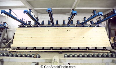 View on pressing of laminated veneer lumber - Woodworking....
