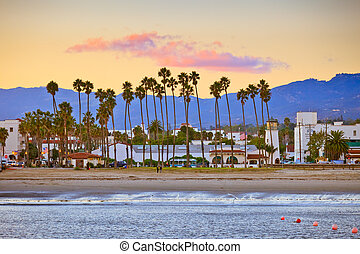 Santa Barbara from the pier - View on Santa Barbara from the...