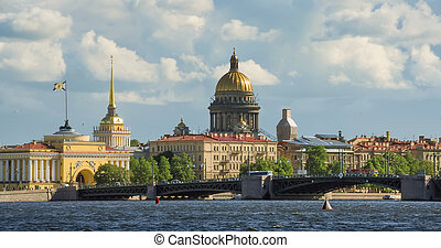 View on the Neva river and St Isaac's Cathedral. St. ...