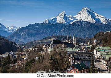 View over Berchtesgaden with the Watzmann Group in background