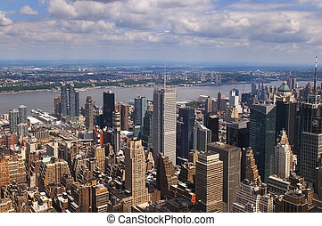 VIEW OVER MANHATTAN, NEW YORK