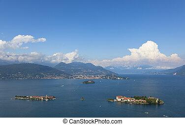 view over the lage maggiore