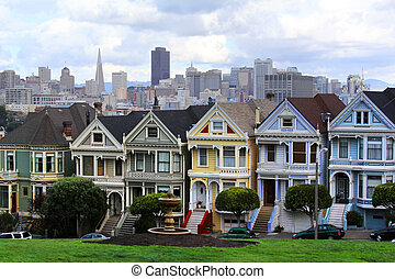 Alamo Square - View to San Francisco with Alamo Square