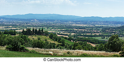 Views of the valley in Tuscany