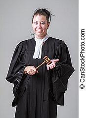 vigyorgó, ügyvéd
