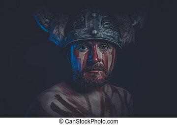 Viking Guerrier Sien Expression Casque Cornu Peinture Visage