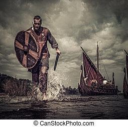 viking, harcos, alatt, támad, út along, a, tengerpart, noha, drakkar, háttér