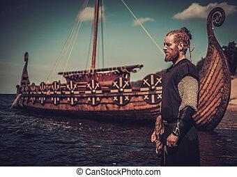 viking, harcos, noha, kard, álló, közel, drakkar, képben látható, a, seashore.