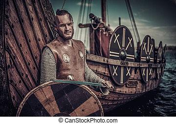 viking, krigare, skydda, stående, seashore., svärd, drakkar