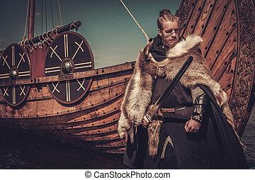 viking, krigare, stående, seashore., svärd, drakkar