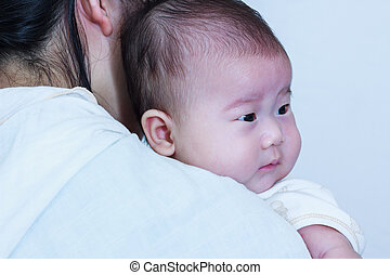 vila, henne, mor, asiatisk flicka, dag, celebration., shoulder.