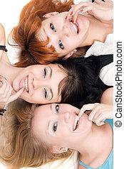 vilain, trois femmes