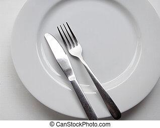 villa, kés, tányér